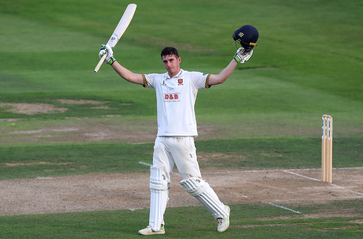 Essex v Hampshire – Specsavers County Championship – Division One – Day Two – The Cloudfm County Ground